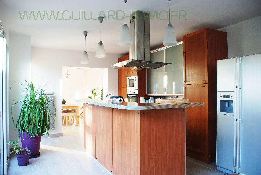 Maison  au coeur de Châteaugiron - 4 chambres 140 m2