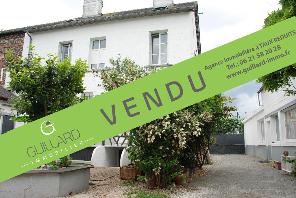 Maison - Bourg Janzé 7 pièces 185 m2
