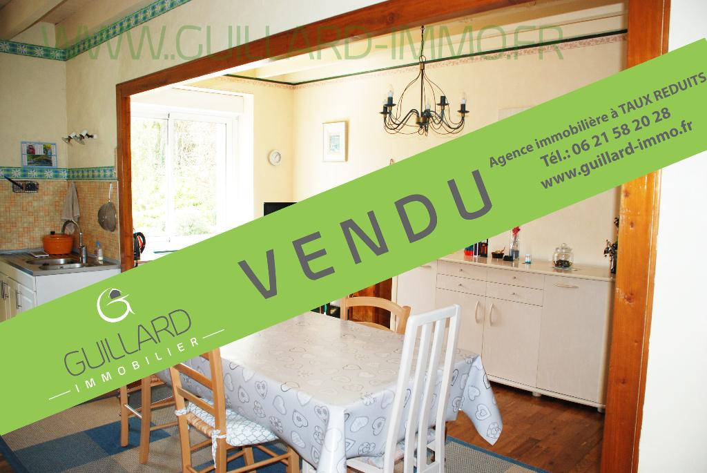 Longère  3 chambres - avec dépendances- terrain de 6 900 m² à 3 mn de Châteaugiron