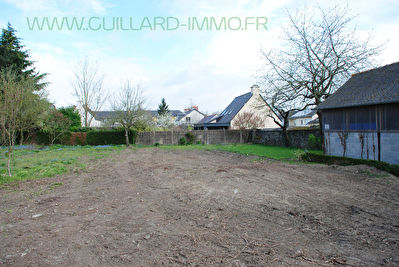 Terrain a vendre 35410 chateaugiron pi ces 500 m for Piscine chateaugiron